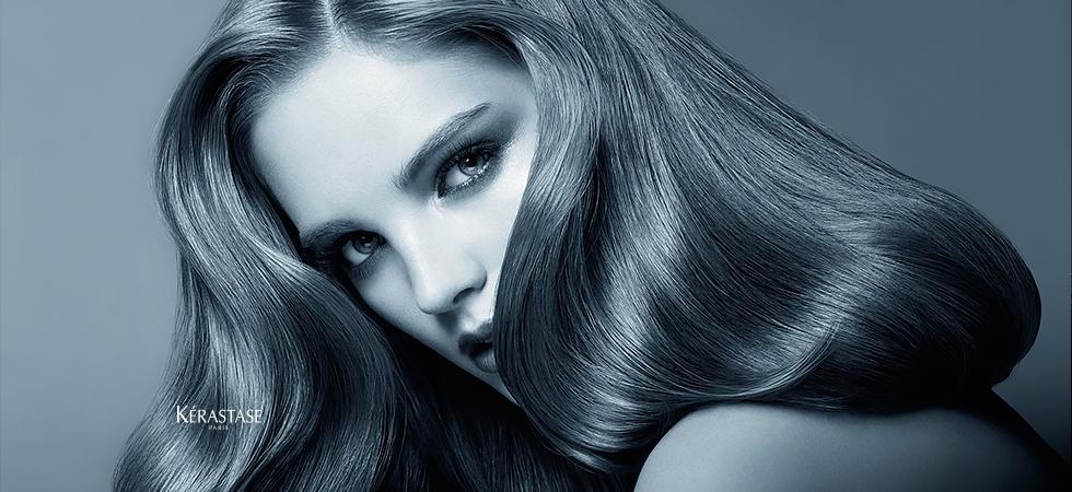 Verführerisch glänzend langes Haar.